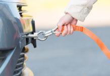 Kiedy oraz jaką linką holować nasze auto?