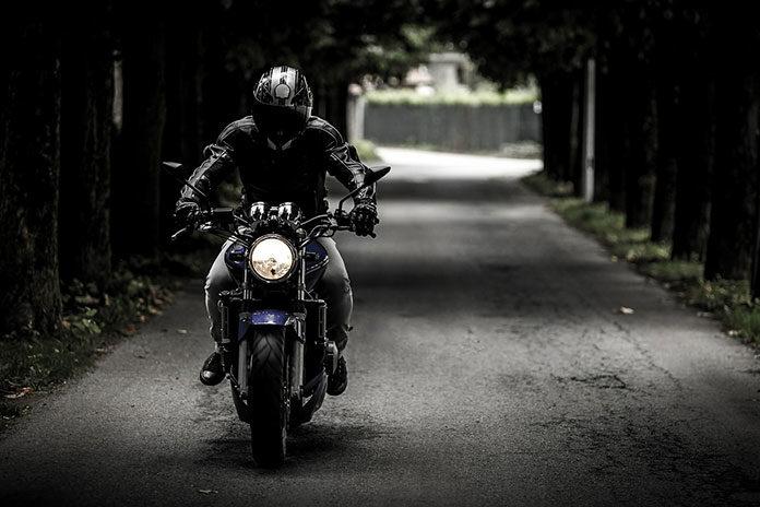 W jakie akcesoria motocyklowe warto się zaopatrzyć?