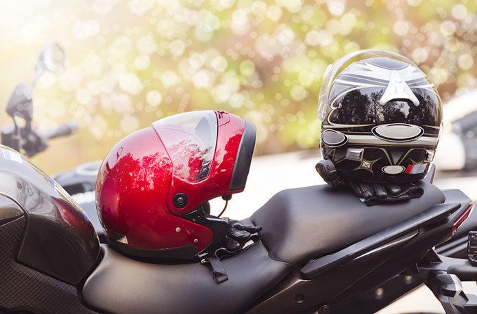 Kaski motocyklowe – szczękowe czy integralne? Jaki wybrać?
