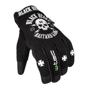 rękawiczki w sklepie motocyklowym