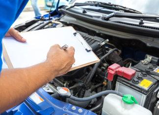 Gdzie korzystnie kupować części samochodowe?