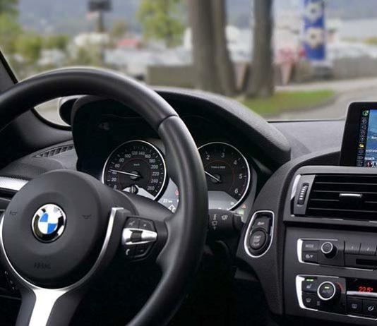 Samochód firmowy na kredyt czy w leasing – co wybrać?