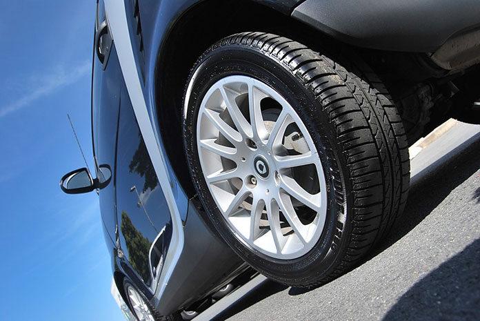 Program do monitorowania samochodów